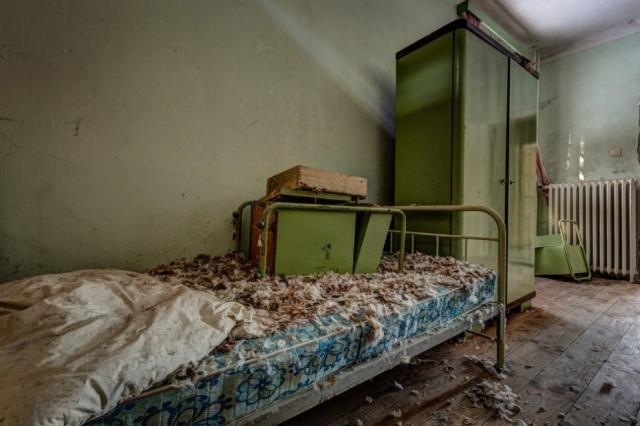 The-World-Grandest-Abandoned-Hotels_6-640x426.jpg