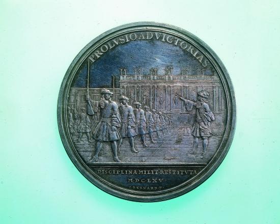 1313493-Louis_XIV_commandant_lexercice_d