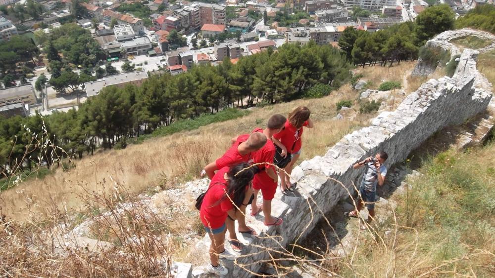 Крепостта в Берат, Албания.jpg
