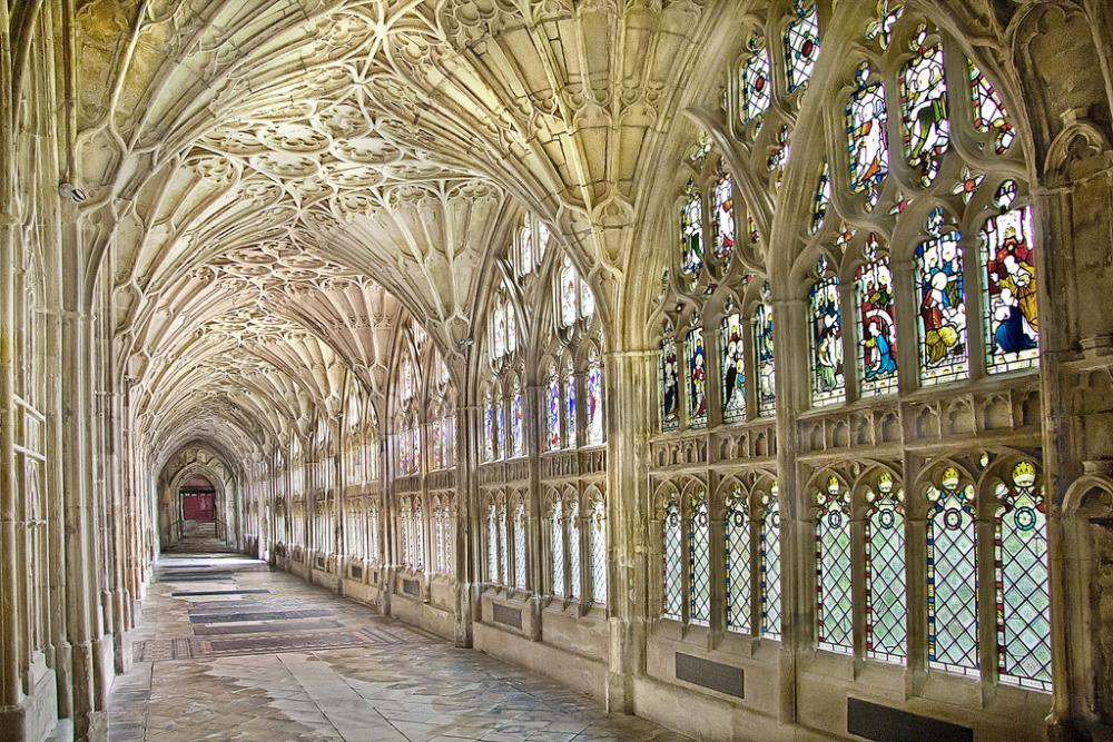 Gloucester Cathedral (3).jpg