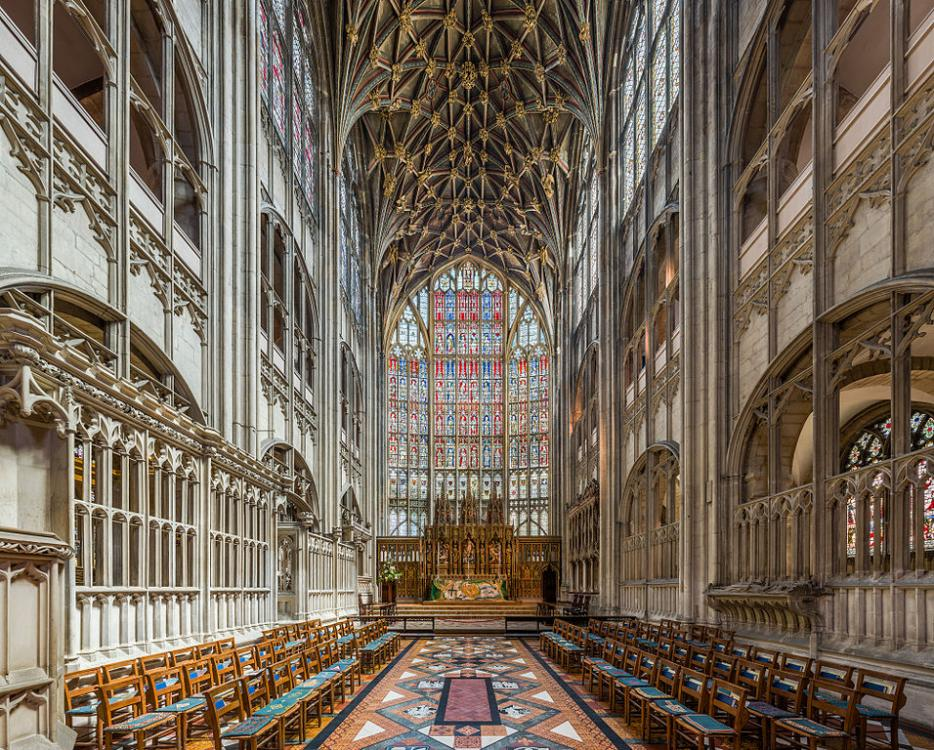 Gloucester Cathedral (5).jpg