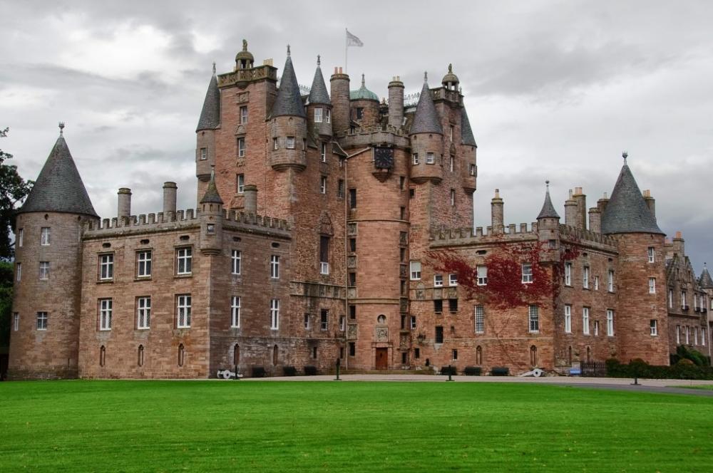 Glamis Castle (2).jpg