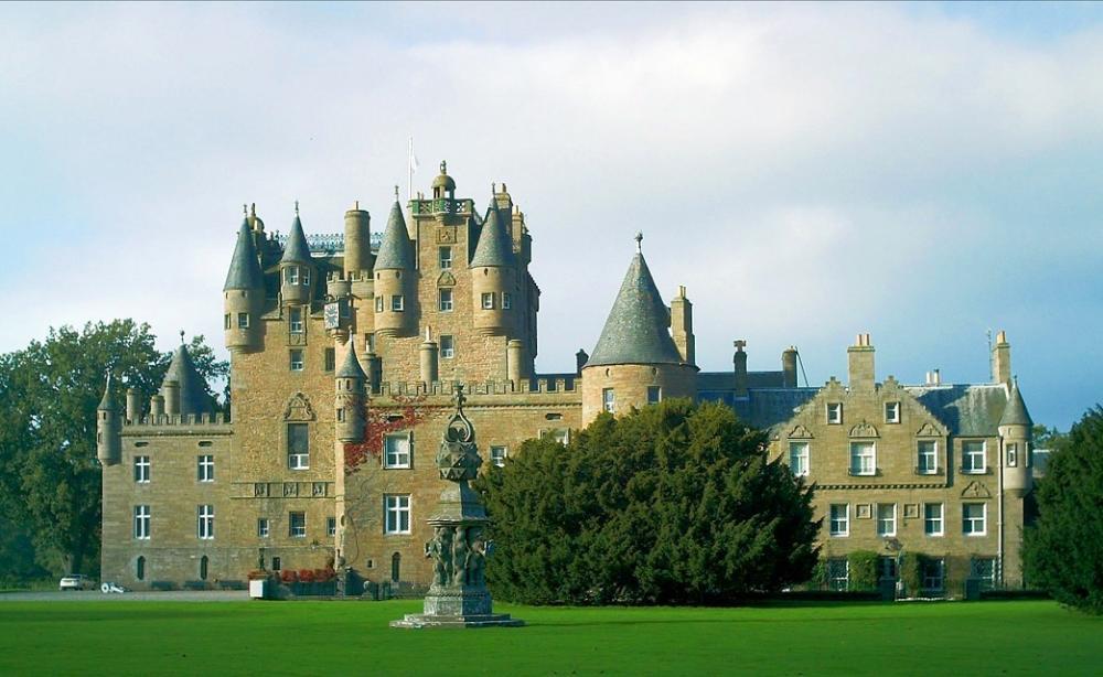Glamis Castle (7).jpg