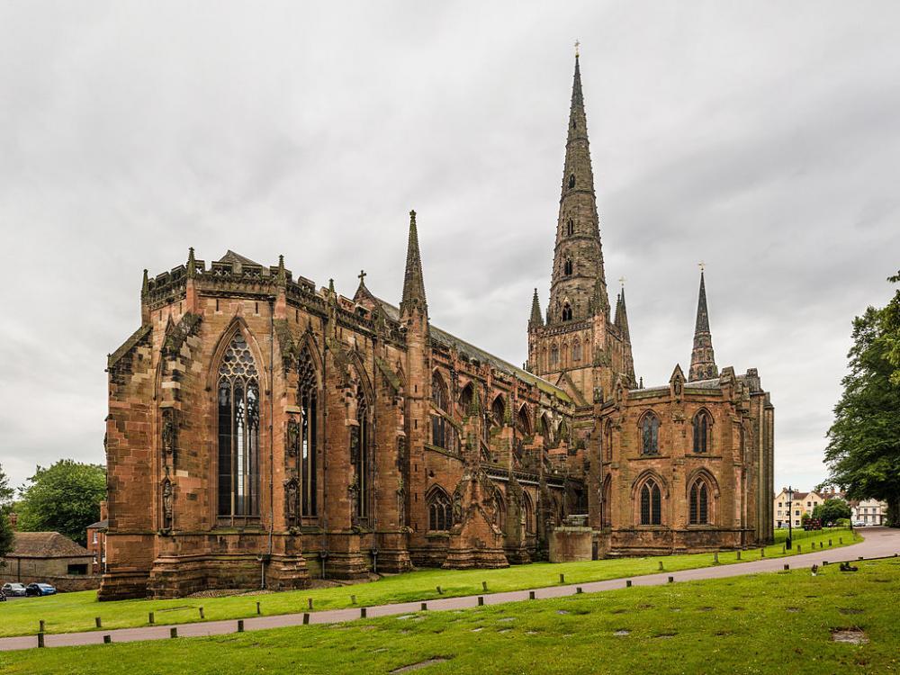 Lichfield Cathedral (4).jpg
