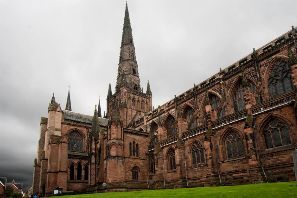 Lichfield Cathedral (5).jpg