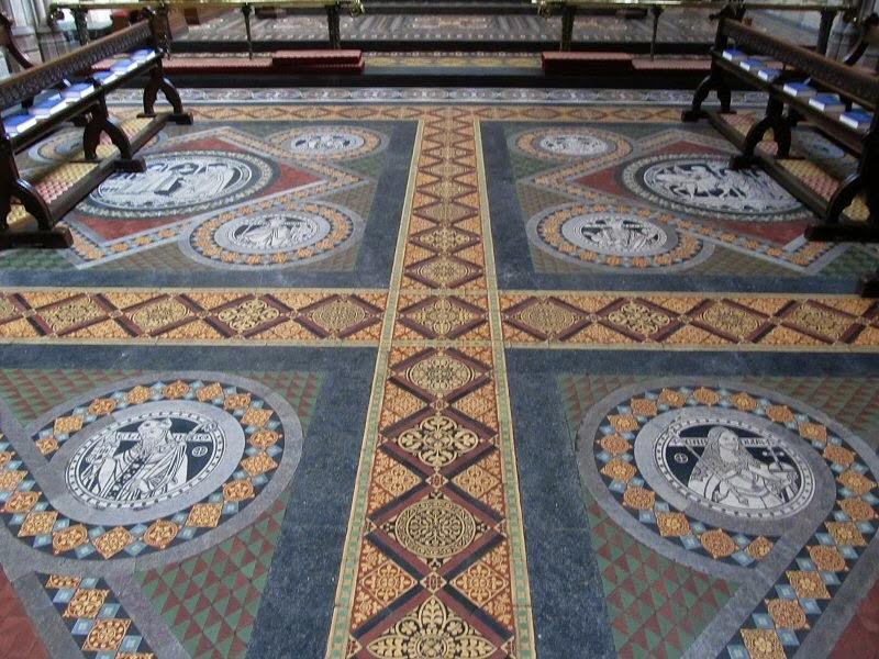 Lichfield Cathedral (3).jpg