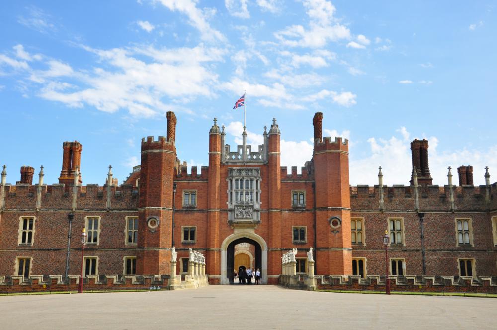 Hampton Court (2).jpg