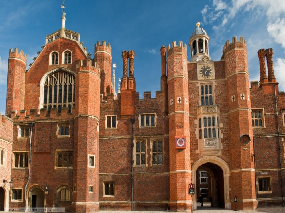 Hampton Court (7).jpg
