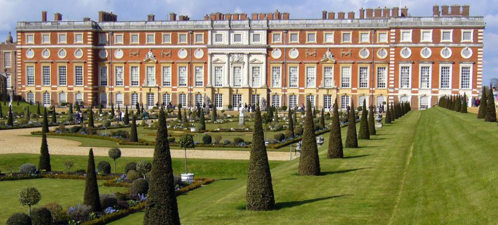 Hampton Court (4).jpg
