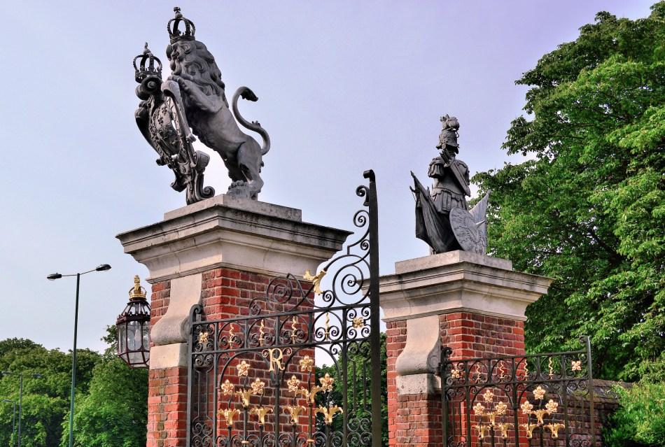 Hampton Court (5).jpg