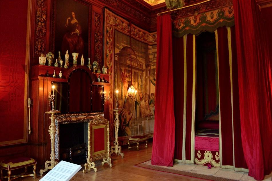 Hampton Court (14).jpg