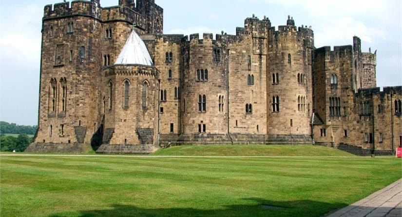 alnwick_castle.jpg