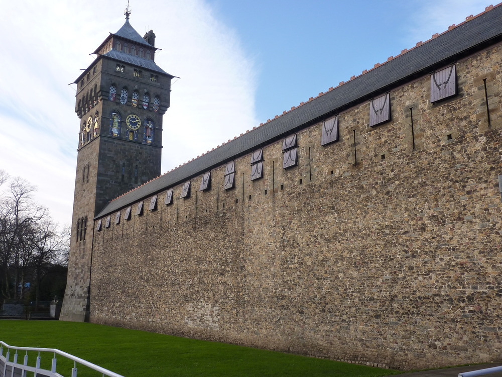cardiff-castle-see-do-buildings-monuments-large.jpg
