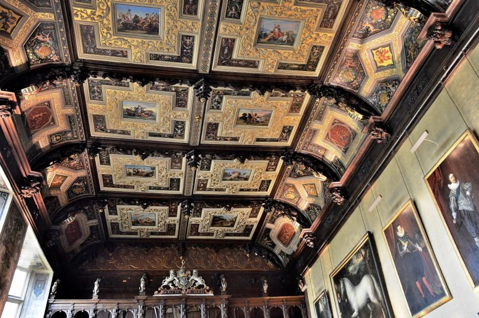 ornate-ceilijng-at-hatfield-house.jpg
