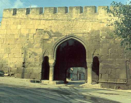 Derbent_gate2.jpg