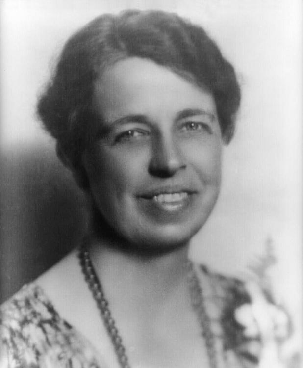 800px-Eleanor_Roosevelt_portrait_1933.thumb.jpg.c7e3fd4a4f8073a6c1e04251f64e37d1.jpg