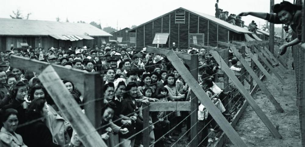 forced-internment-japanese-americans.jpg