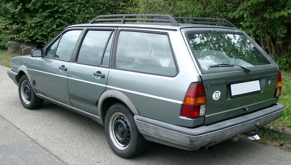VW_Passat_Kombi_rear_20070902.thumb.jpg.40c0320c5c5cc67e1b83e4ea34e79a3d.jpg