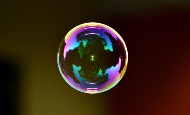 soap-bubble-colorful-ball-soapy-water.jpg.13fc6dc9cfecb9618b971127e7460ff8.jpg