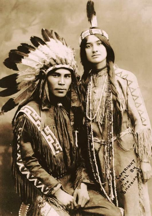 Native North American couple.jpg