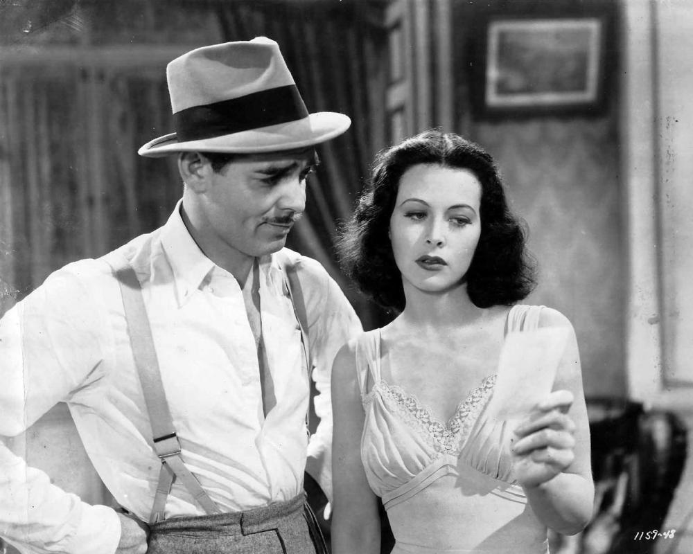 Clark_Gable_and_Hedy_Lamarr_Publicity_Photo_for_Comrade_X_1940.thumb.jpg.0bf3cef46b1c039aef64350a4434de9a.jpg